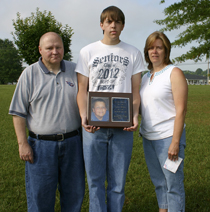 L-R: Leanne Copas Bilbrey (mother), Jacob Bilbrey (brother) and Terry Bilbrey (father)