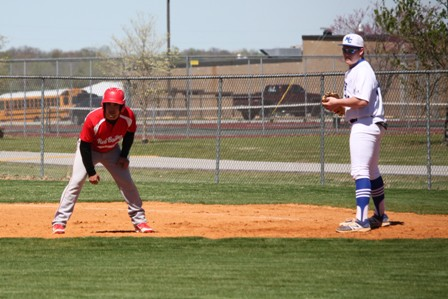 Bulldog Baseball Loses Three