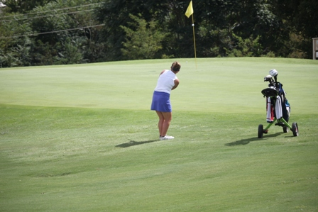 MCHS golf hosts final match of regular season